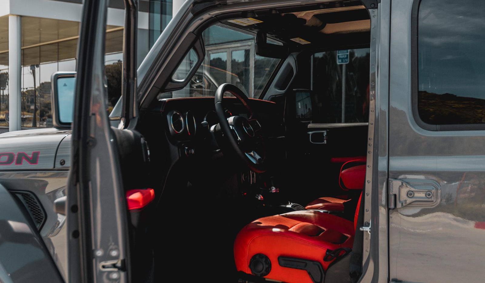Jeep Wrangler JL 4.jpg