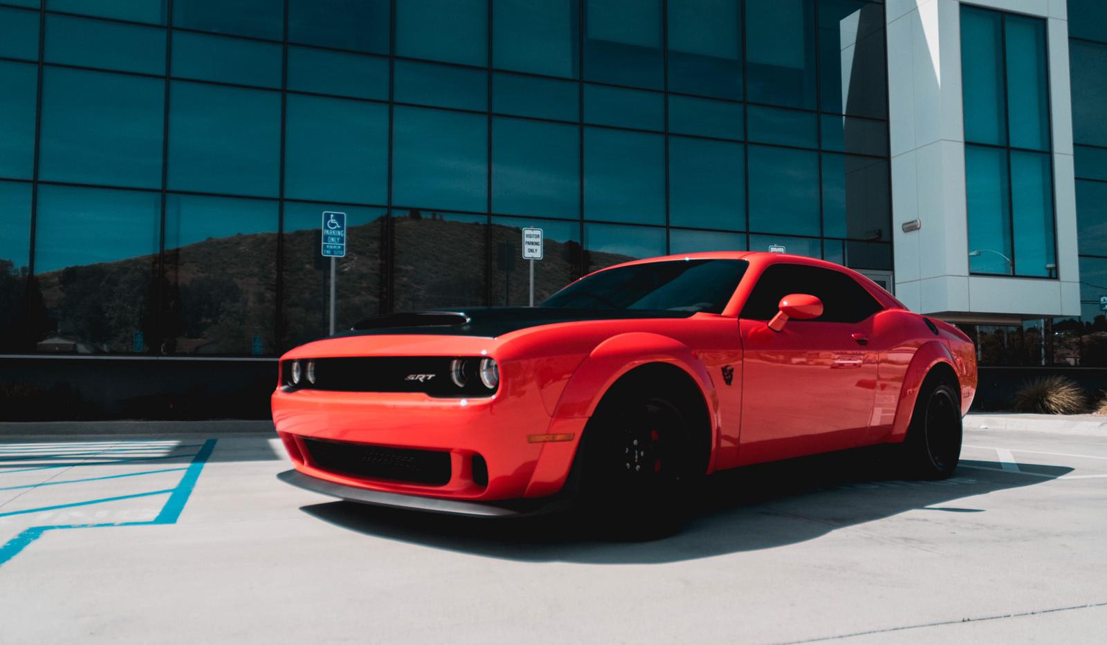 Dodge Challenger SRT Demon 1.jpg