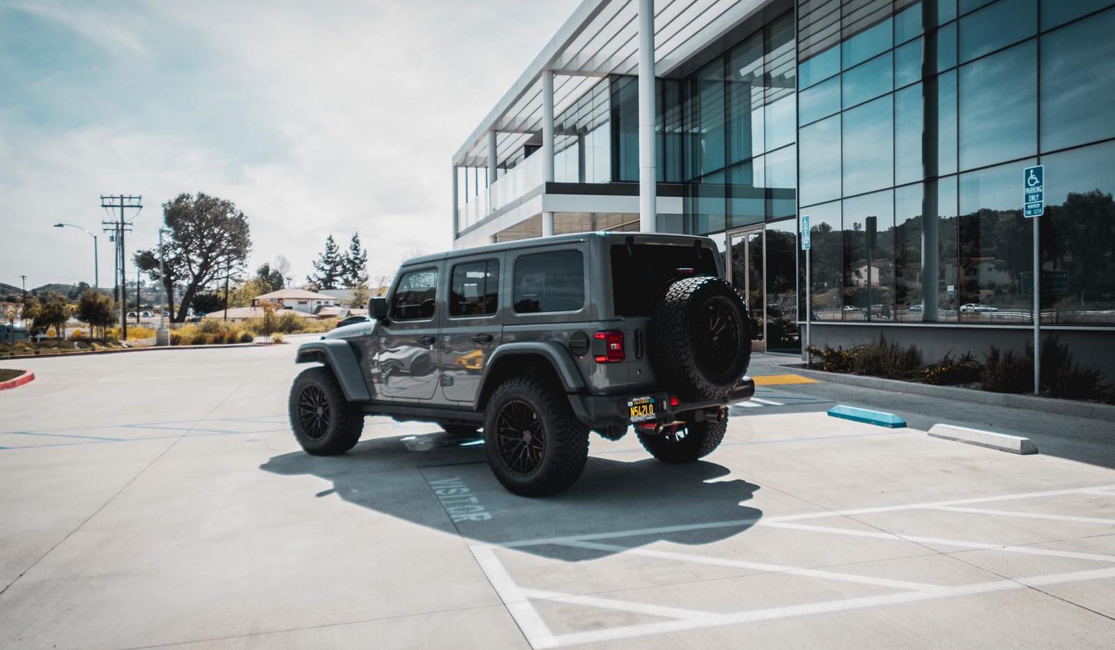 Jeep Wrangler JL 6.jpg