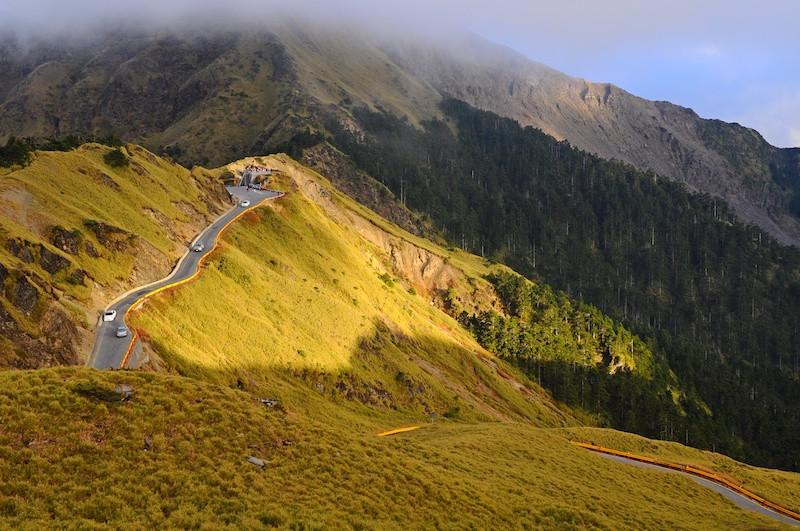 Taiwan Mountain Pass Into Clouds.jpeg