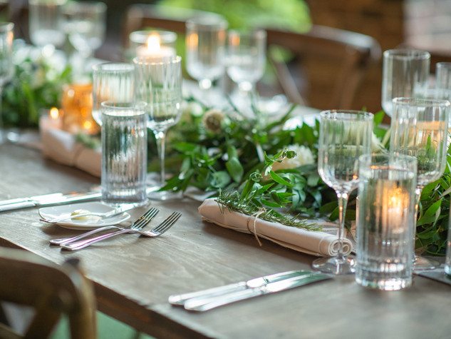 Corporate+Event|Toboni+Dinnerat+Barnsley+Resort|FarmTables+With+Rustic+Chic+Florals+8