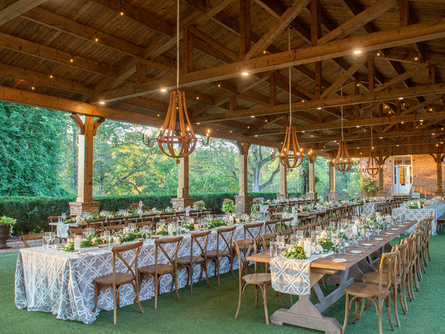 Corporate+Event|Toboni+Dinnerat+Barnsley+Resort|Farm+Tables+With+Rustic+Chic+Florals