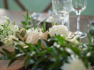 Corporate+Event|Toboni+Dinnerat+Barnsley+Resort|Long+Table+With+Candles+And+Garland+Centerpiece+Close+Up+3