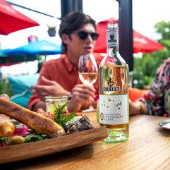 7-0%-bottle-platter-social-setting.jpg