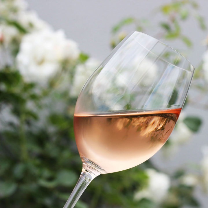 Riesling-Blush-in-a-glass_1080x.jpg