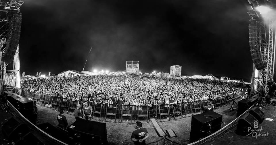 bestfest crowd main stage