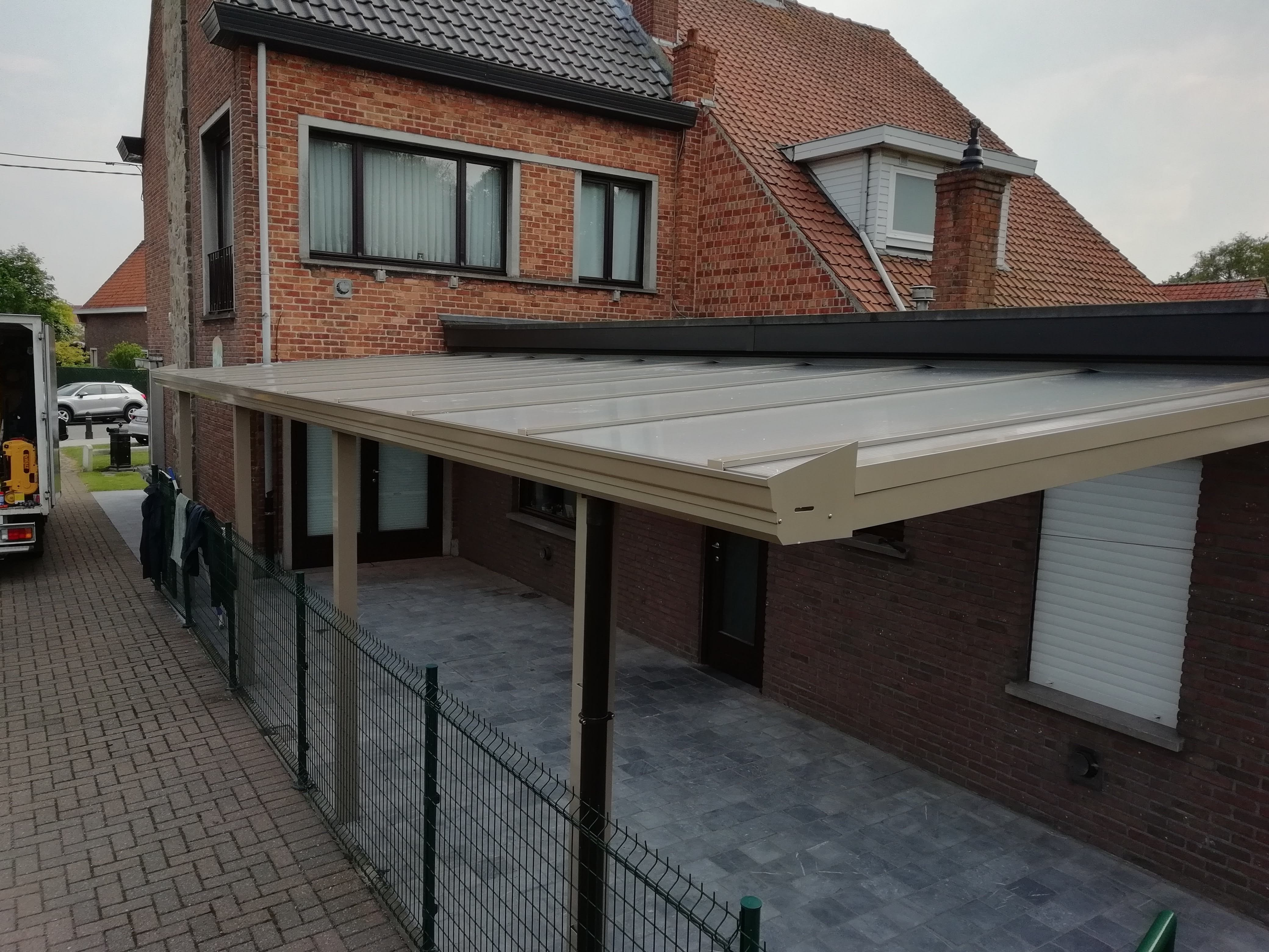 terrasoverkapping in aluminium met zelfd