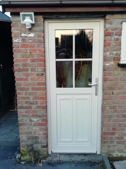 deur met kleinhouten in glas keur 9001