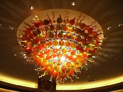 Chihuly_light-in-lobby