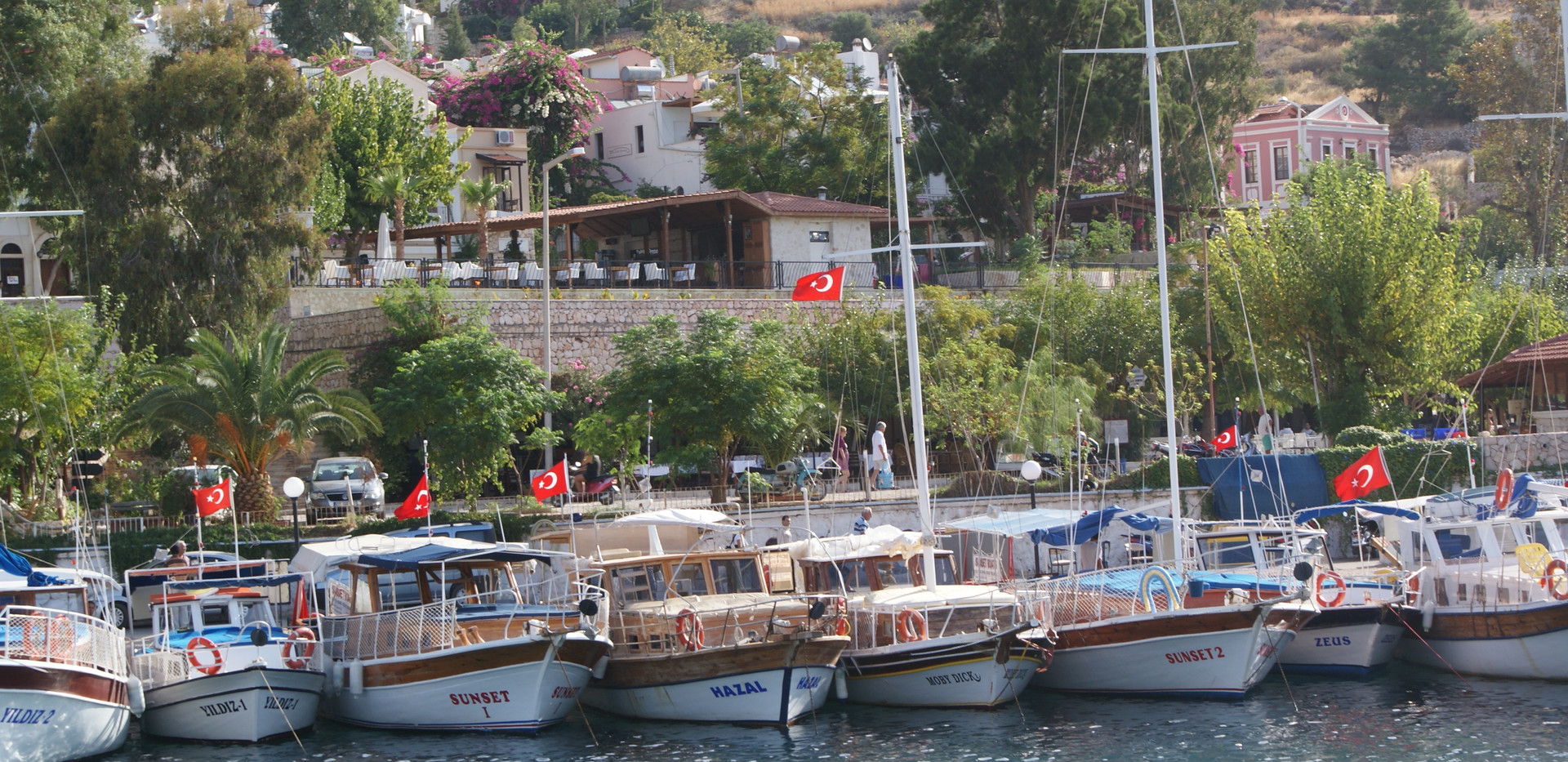 boats at harbour.jpg