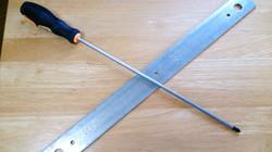 金属板を擦る!