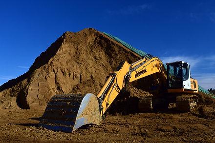 excavators-3282111.jpg