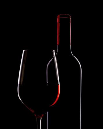 Wein%20mit%20Glas_edited.jpg