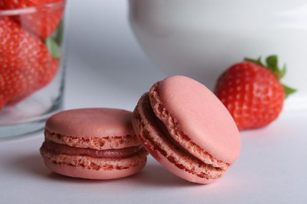 Macarons Erdbeer 2.jpg