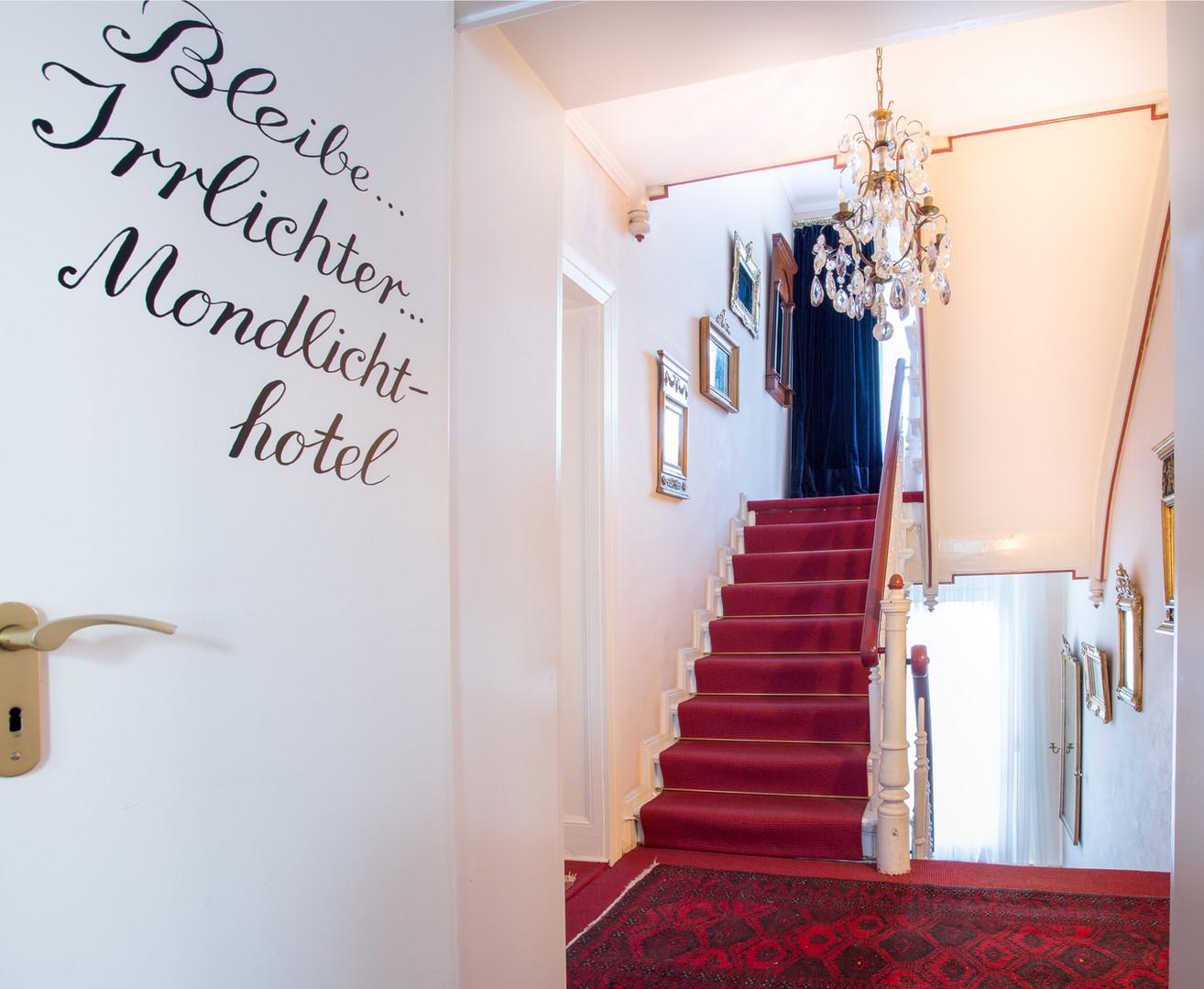 Treppenhaus_Schrift_gut.jpg