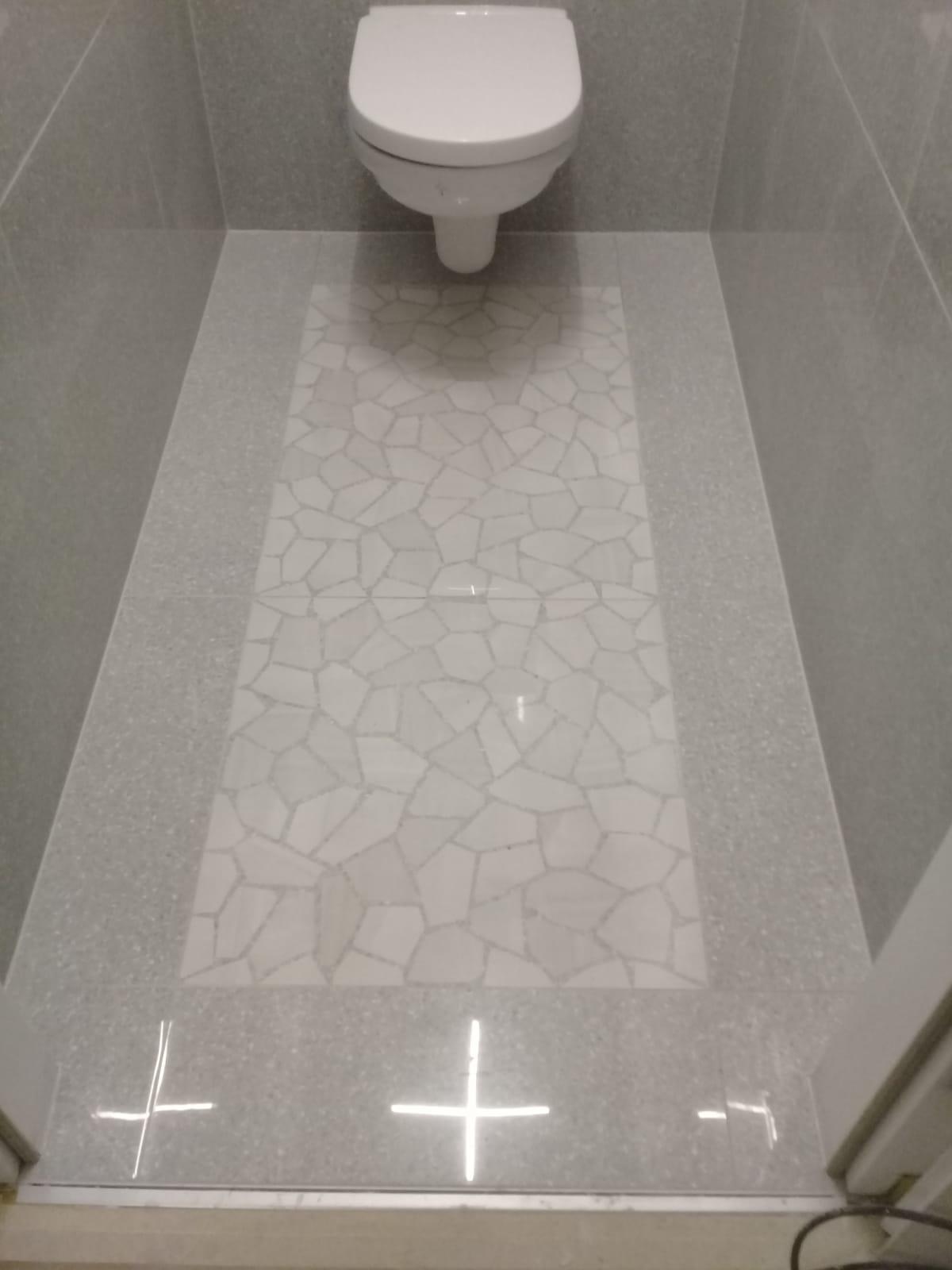 Badezimmer Modern Grau Mosaik