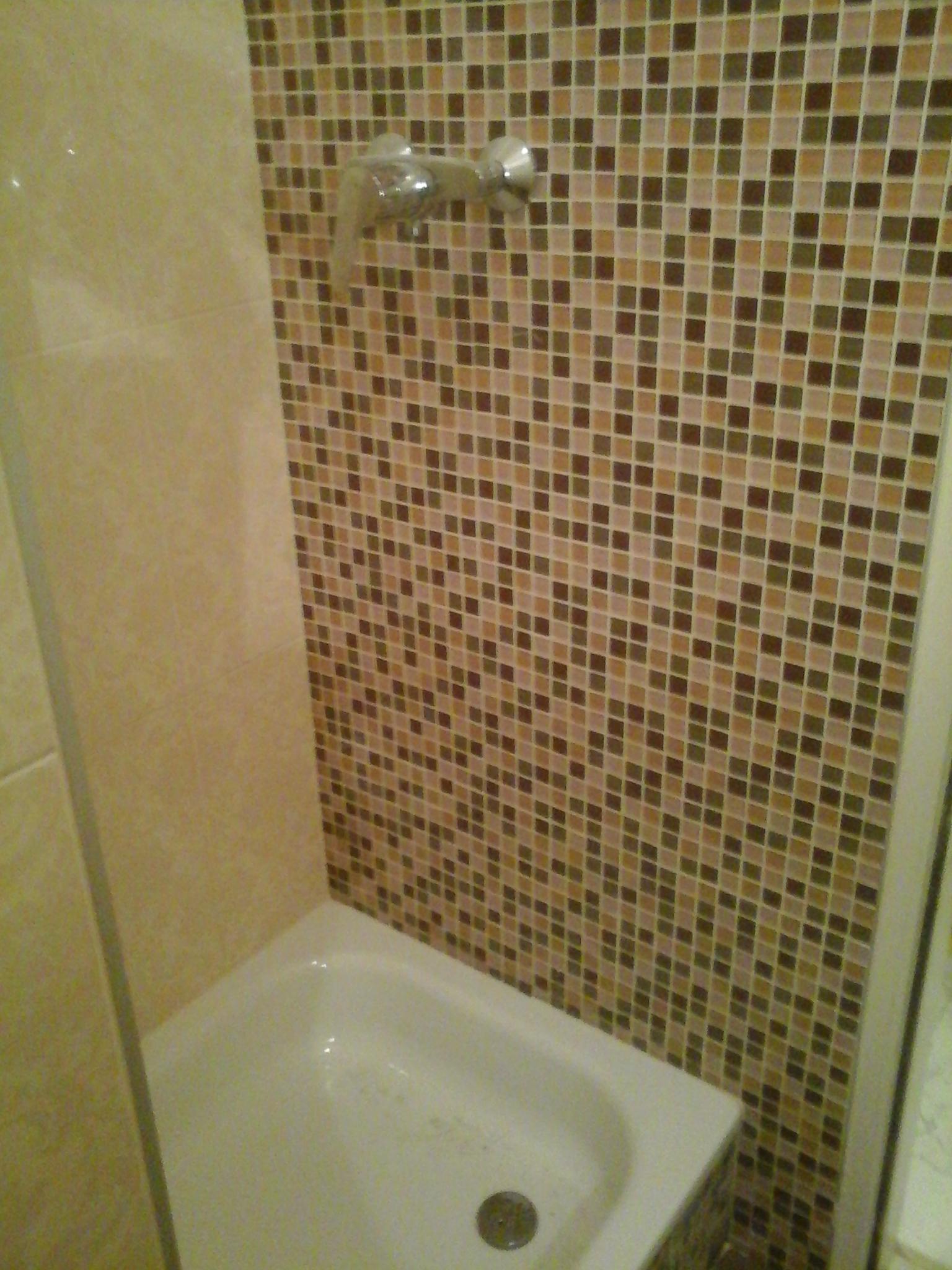 Badezimmer Duschkabine Sandsteinmosaik