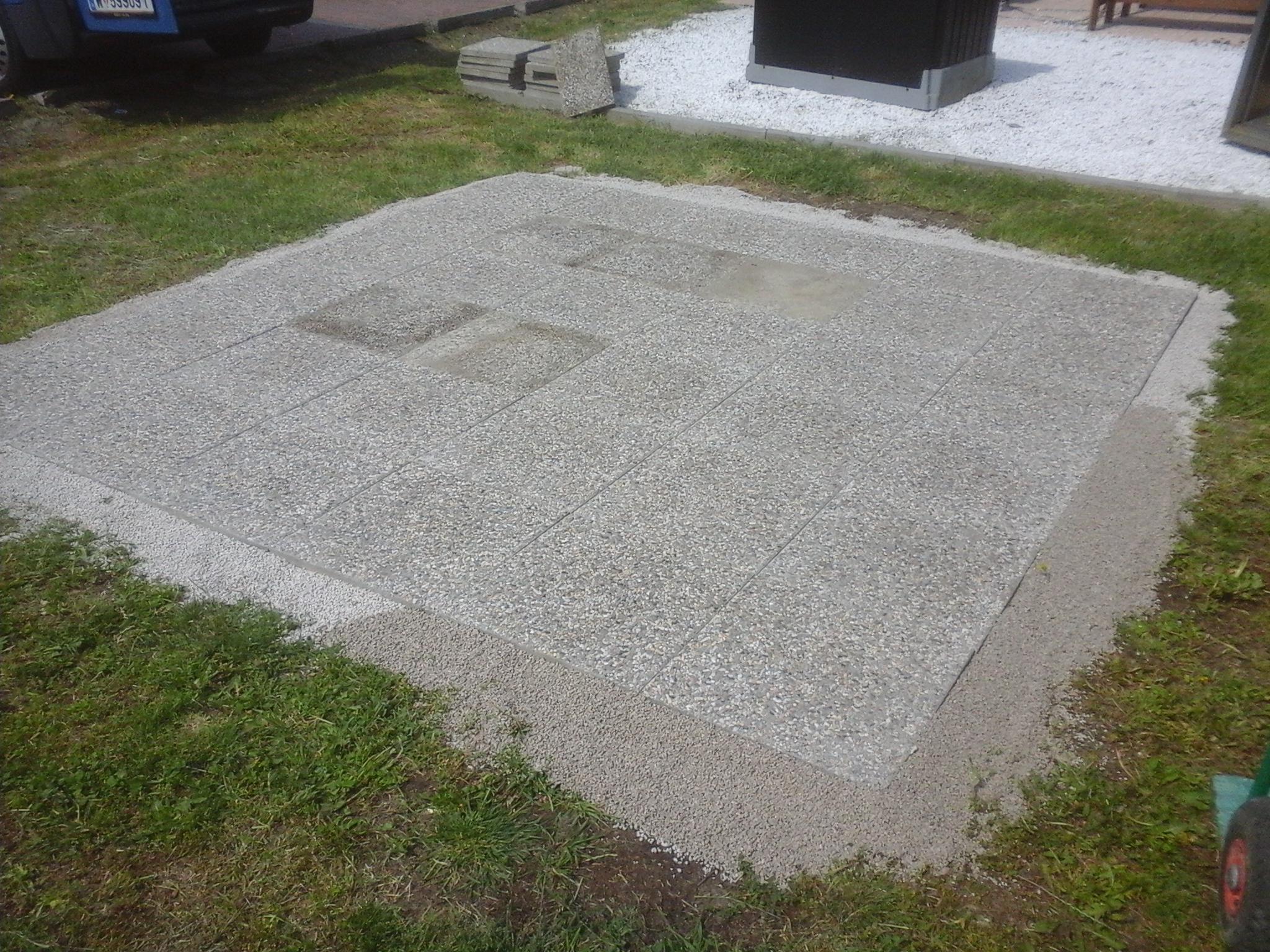 Waschbetonplattenverlegung