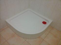 Badezimmer Duschkabine Weiß und Beige
