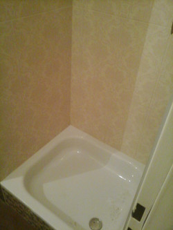 Badezimmer Duschkabine Standsteinfliesen