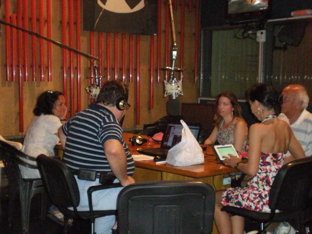 Radio La 2X4 FM Tango, BA