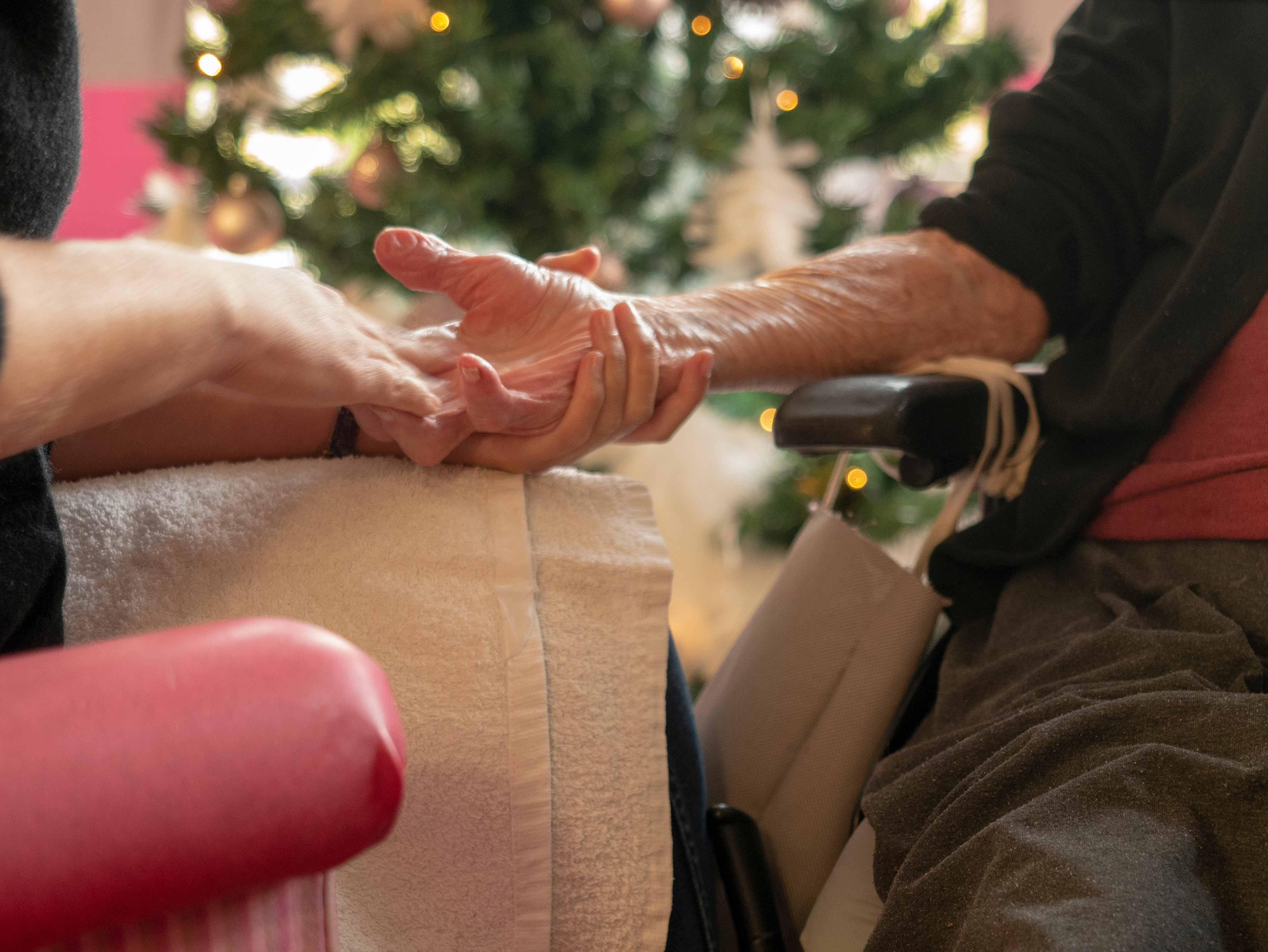 Relational touch for elders - 45min