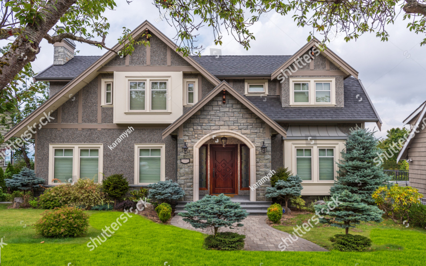 stock-photo-houses-in-suburb-at-summer-i