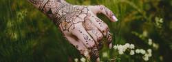 henna-and-flowers2.jpg