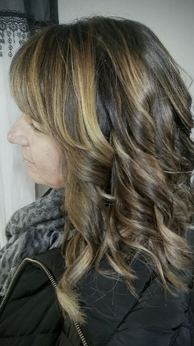 Love when I get to brighten up a #darkbrownhair client with some #dimensionalblonde #color ! Makes it feel like spring is near Especially wh