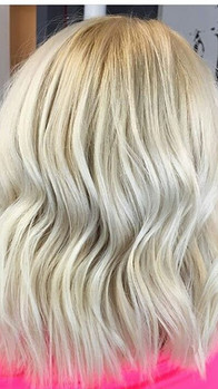 ❄SOFT ICY BLONDE❄This color was done with some #teamwork 🙌🙌 I am training my daughter to be the best she can be! This client came in with 2_