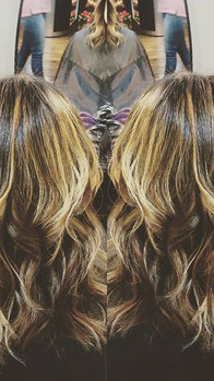 #haircolor I did on a client who wanted a #saltedcaramel with #chocolate #shadowroot #freehand throughout #slayed it!_#haircolorist #hair #b