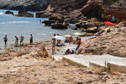 Playa-final-de-Les-Rotes.jpg