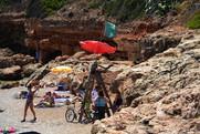 Vigilancia-en-la-playa-de-Les-Rotes.jpg