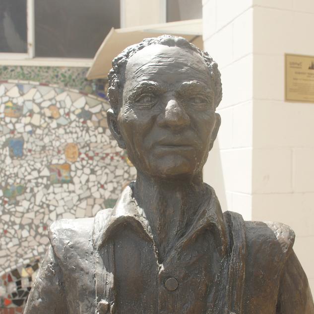 Simon Rodia Sculpture