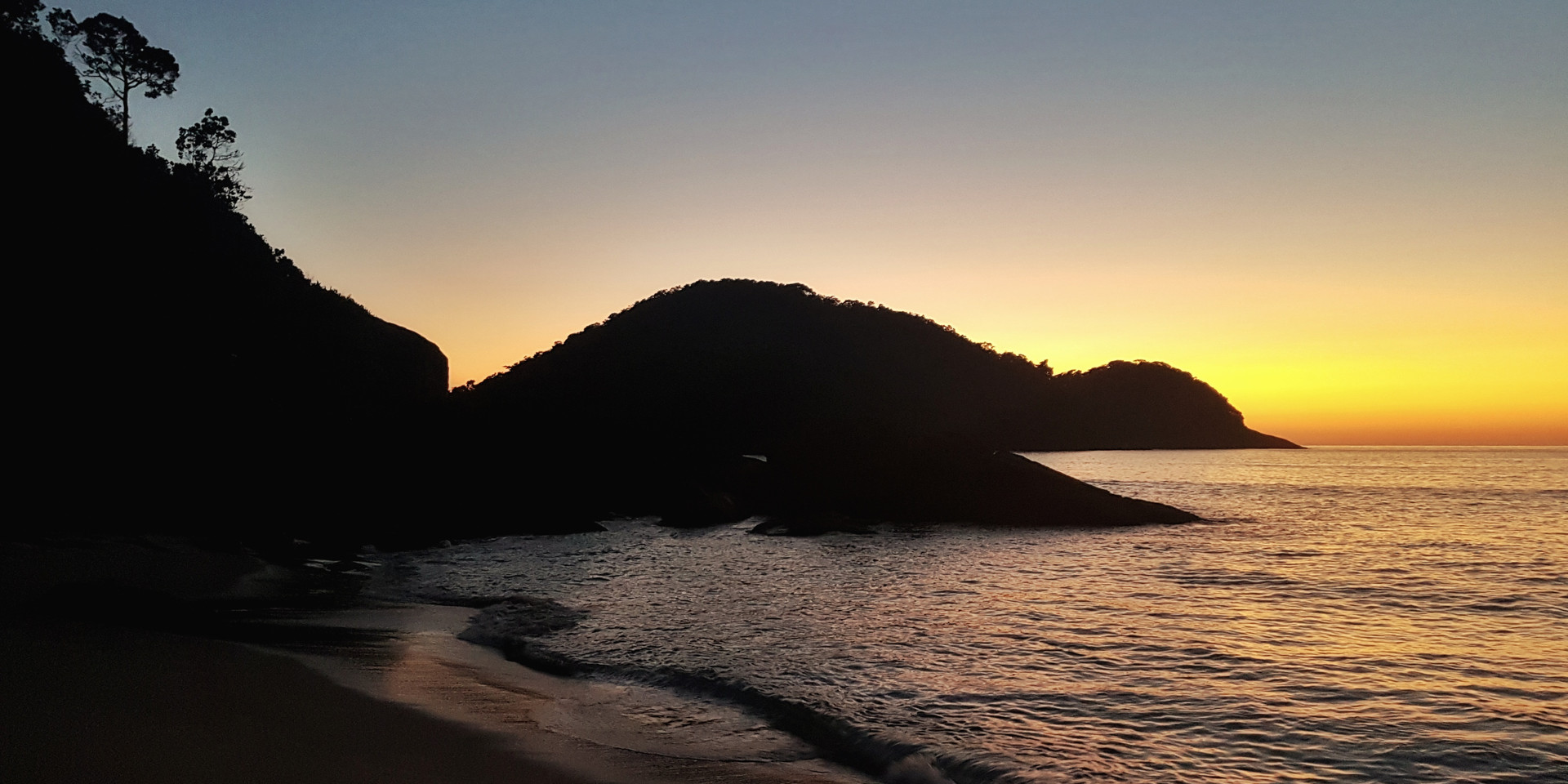 Amanhecer na Praia do Caixa D'Aço.