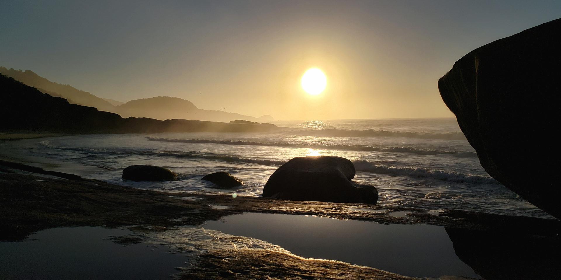 Nacer do sol, visto da Praia do cepilho.