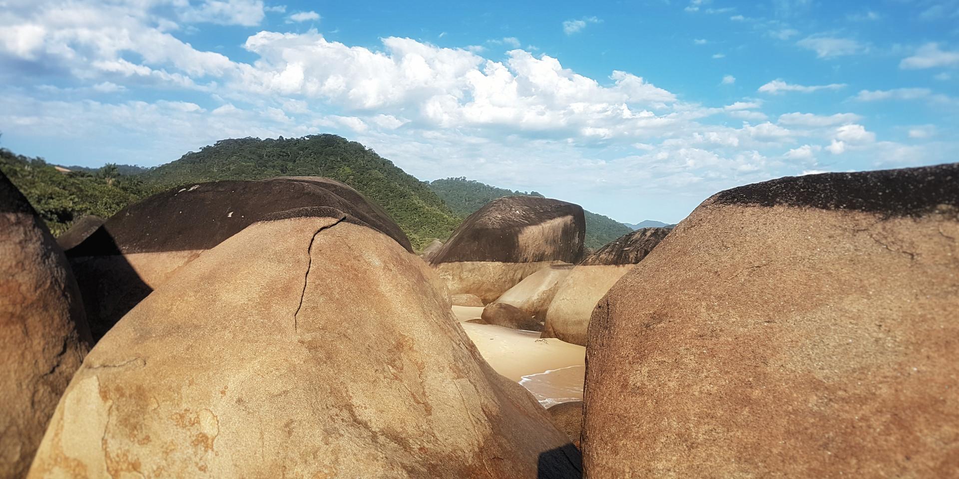 Pedras na Praia de Fora.