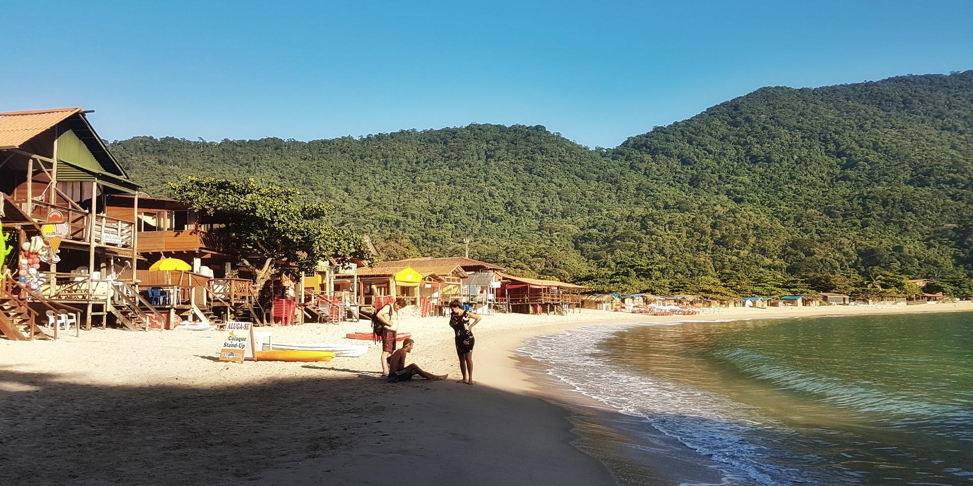 O cantinho da Praia de Fora e seus bares.