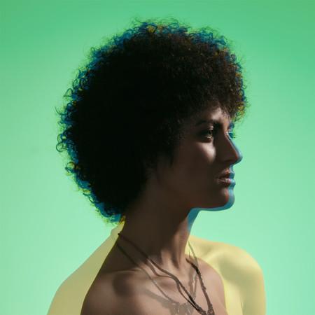Thaina Borges - singer