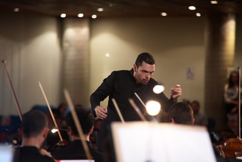 Maestro Thiago Santos