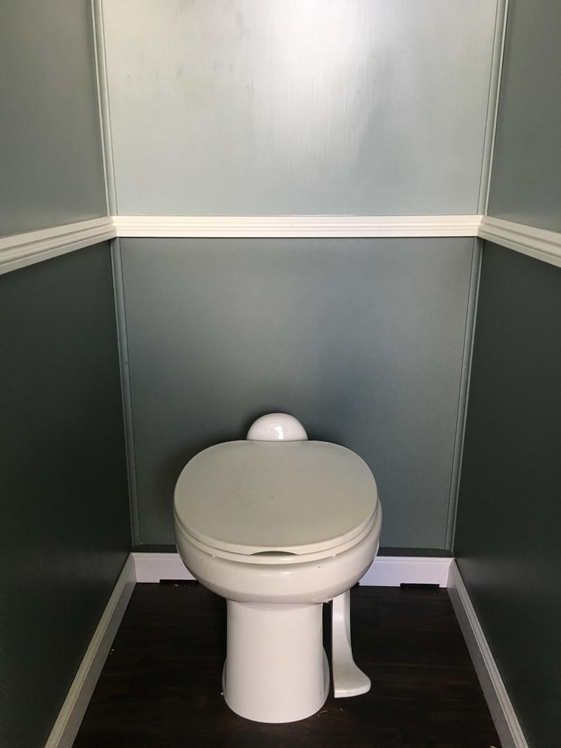 Luxury Comfort Station Toilet