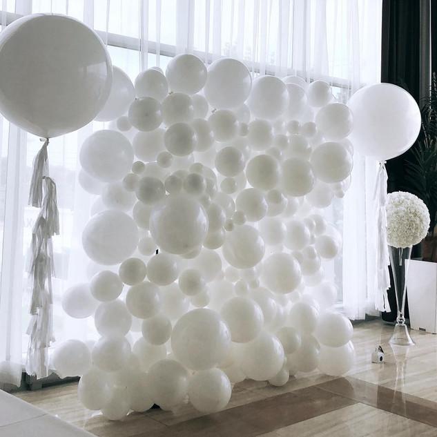 balloon wall the one.jpg