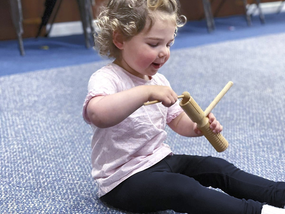 Dance Tots at danscentre is a fun filled class using music, props and imagination. A precursor to the Dance to Your Own Tune syllabus from the Royal Academy of Dance. Experienced teachers will guide you and your little dancer and have fun!