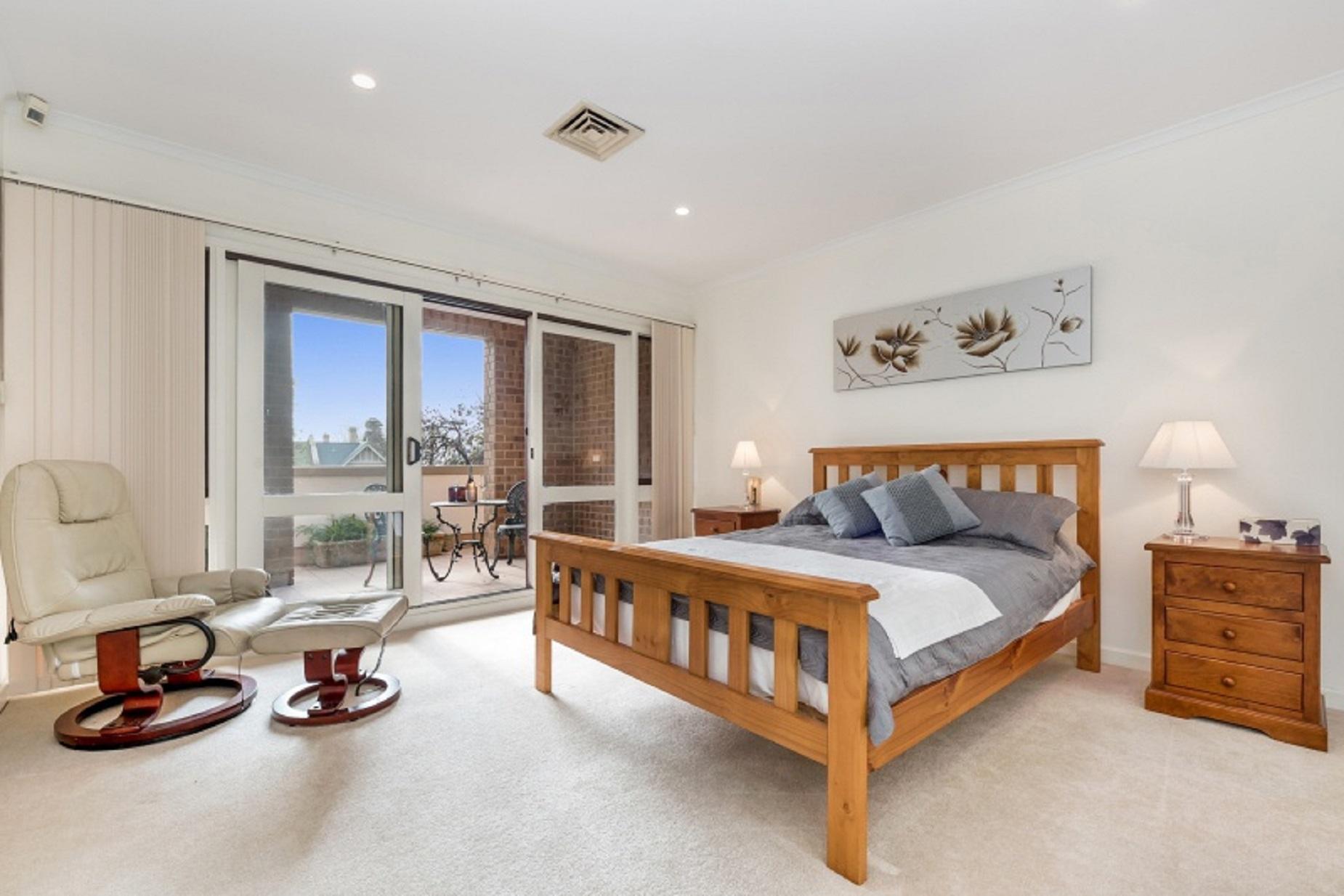 Main Bedroom - Close to City