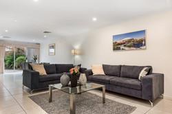 Loungeroom - Close to City home