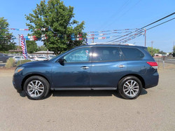 2015 NISSAN PATHFINDER S WITH THIRD ROW SEATING
