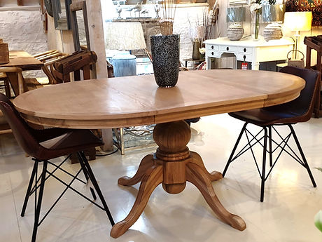 Circular Oak extended pedestal table