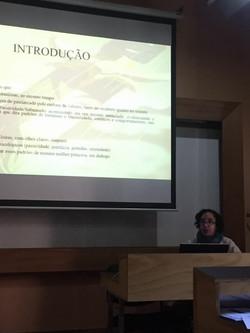 Giovana apresentando trabalho na ALED 2017.jpg