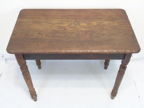 Nice Country Oak Small Table Could Be Used As An Accent Table Breakfast Nook Table Or A Good Working Surface Table And Desk X 35 L X 21 W X 29 H