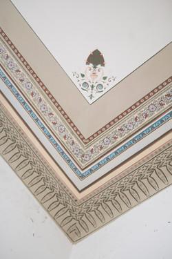 malerische Rekonstruktion einer Tapetenbordüre